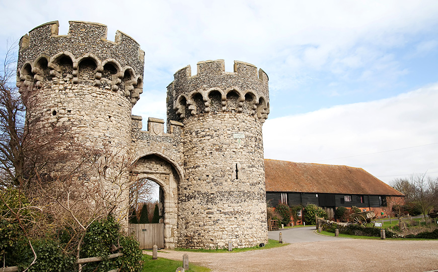 Escape The City With 8 Wedding Venues Near London - Cooling Castle Barn | CHWV