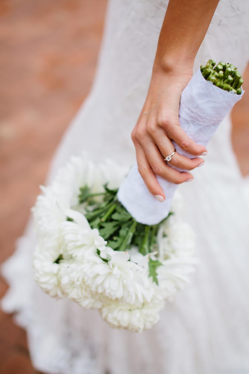 Wedding Ideas by Colour: Cream Wedding Flowers - Chrysanthemums | CHWV