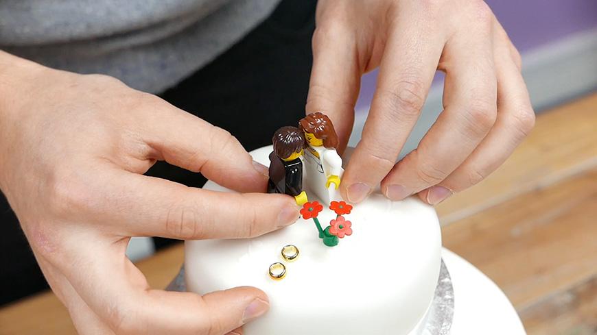 Creating A DIY Wedding Cake With… Lego! | CHWV