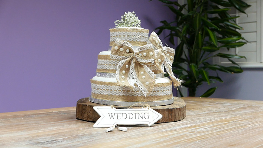 Creating a DIY Wedding Cake With… An Amazing Rustic Style | CHWV