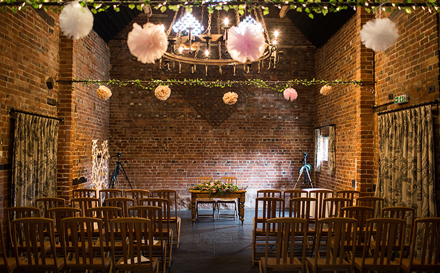 5 Barn Wedding Venues In The West Midlands - Curradine Barns | CHWV