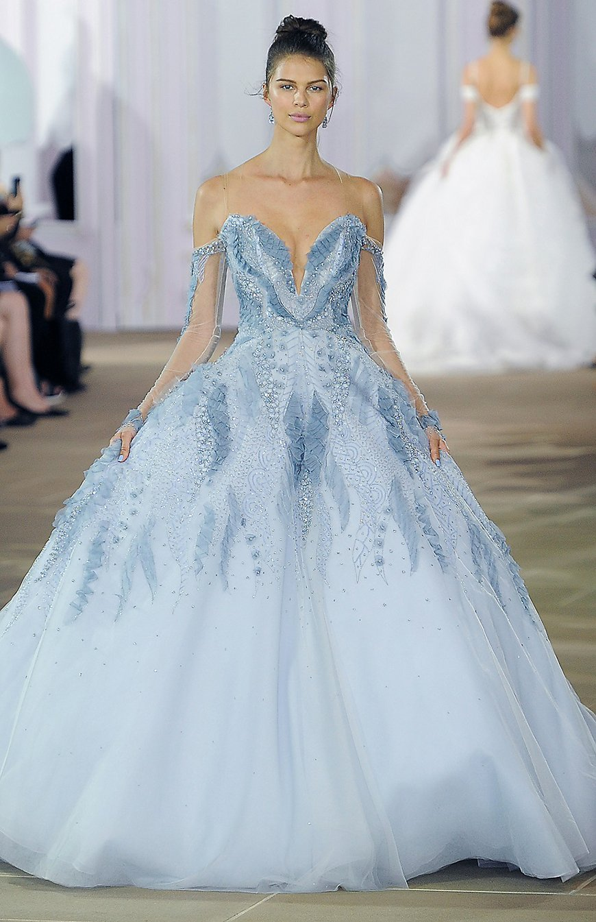 Dramatic Wedding Dresses To WOW Your Guests! - Colourful creations | CHWV