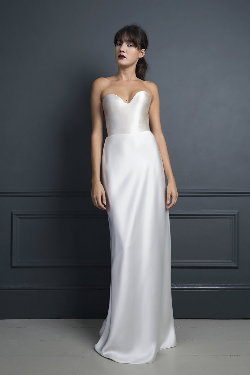 Dramatic Wedding Dresses To WOW Your Guests! - Slim and straight | CHWV