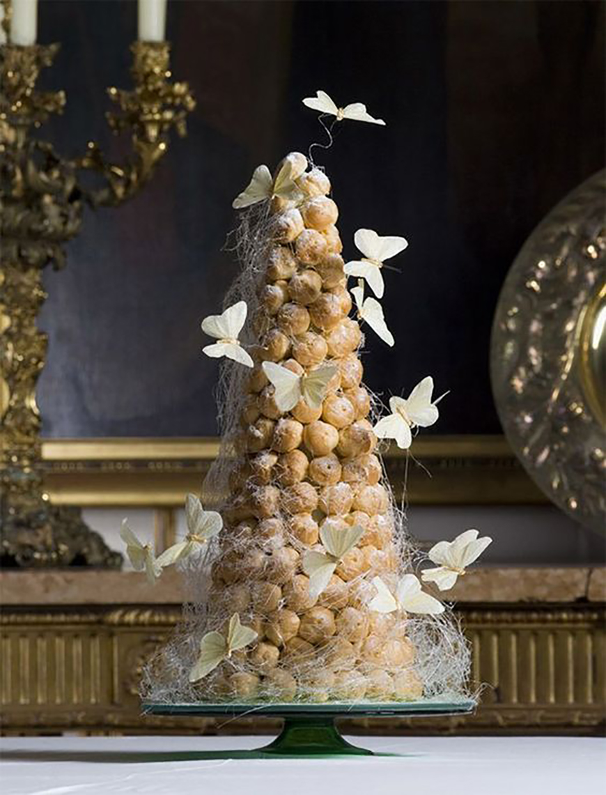 22 Wedding Cakes Fit for a Fairy Tale - Web of love | CHWV