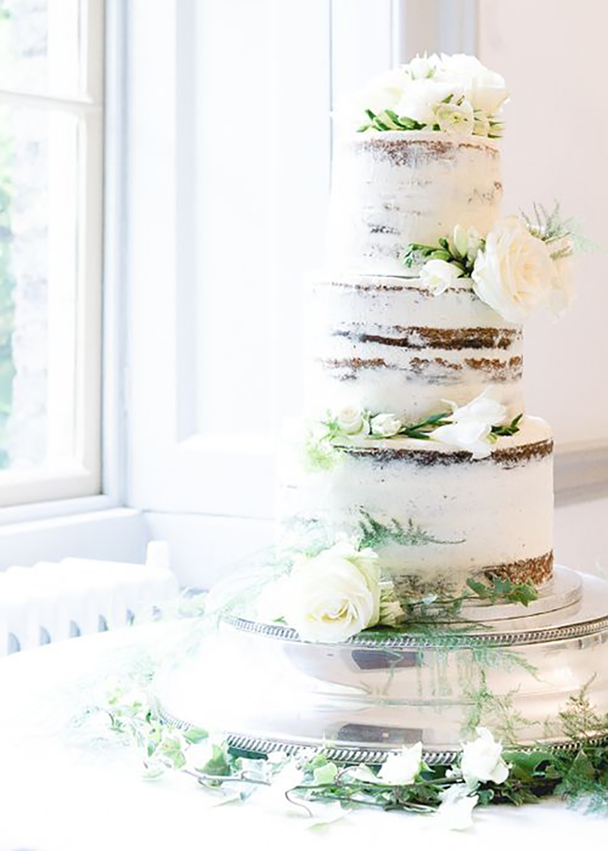 22 Wedding Cakes Fit for a Fairy Tale - Pure elegance | CHWV