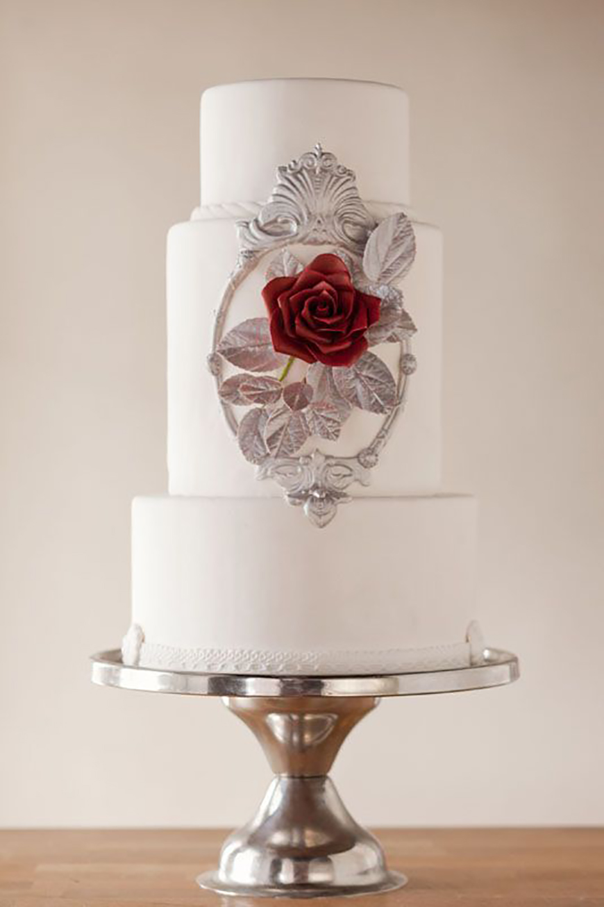 22 Wedding Cakes Fit for a Fairy Tale - Be our guest | CHWV