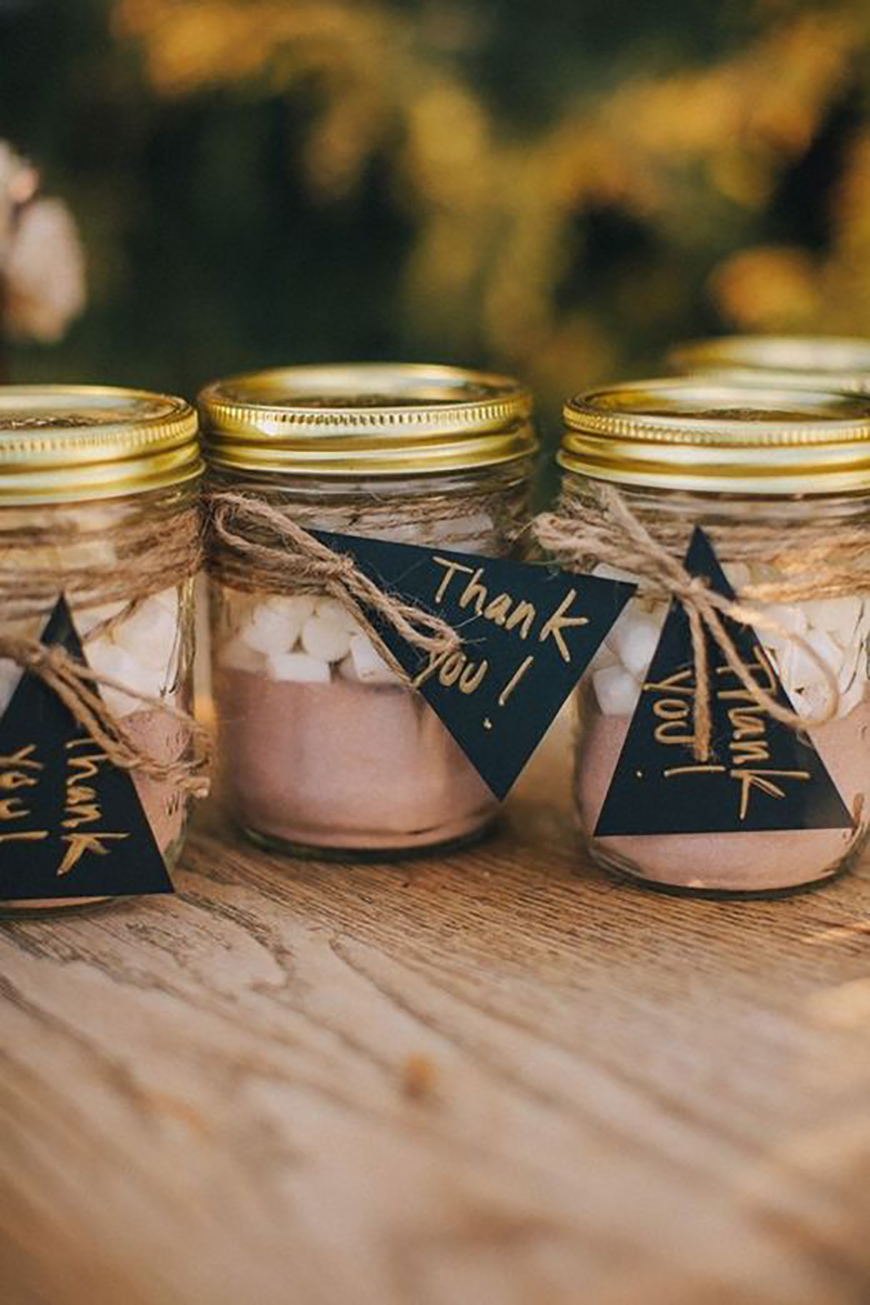 20 Festive Favours for a Winter Wedding - Hot chocolate | CHWV