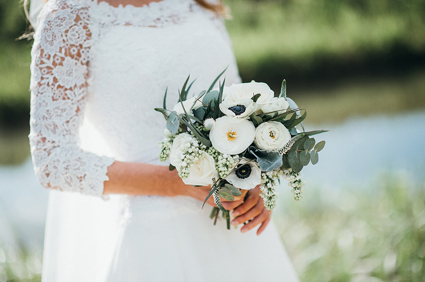 Flowers For An Easter Wedding Theme Ask The Experts Chwv