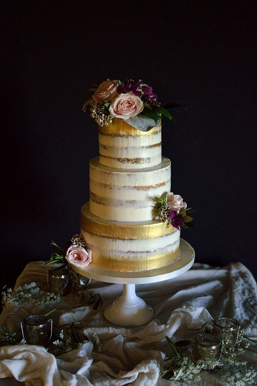 Wedding Ideas By Colour: Gold Wedding Cakes - Alternative Cakes | CHWV