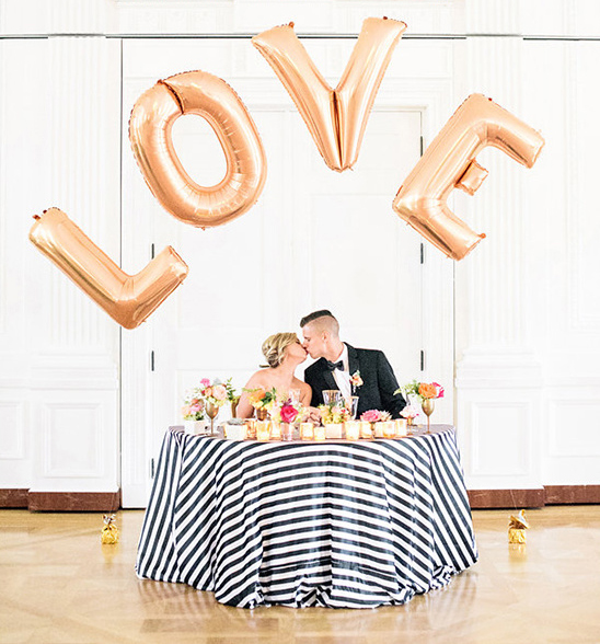Weddings Ideas by Colour: Gold Wedding Theme - Dramatic decor