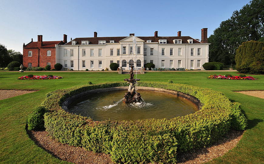 9 Glamorous And Grand Wedding Venues That You Have To See - Gosfield Hall | CHWV