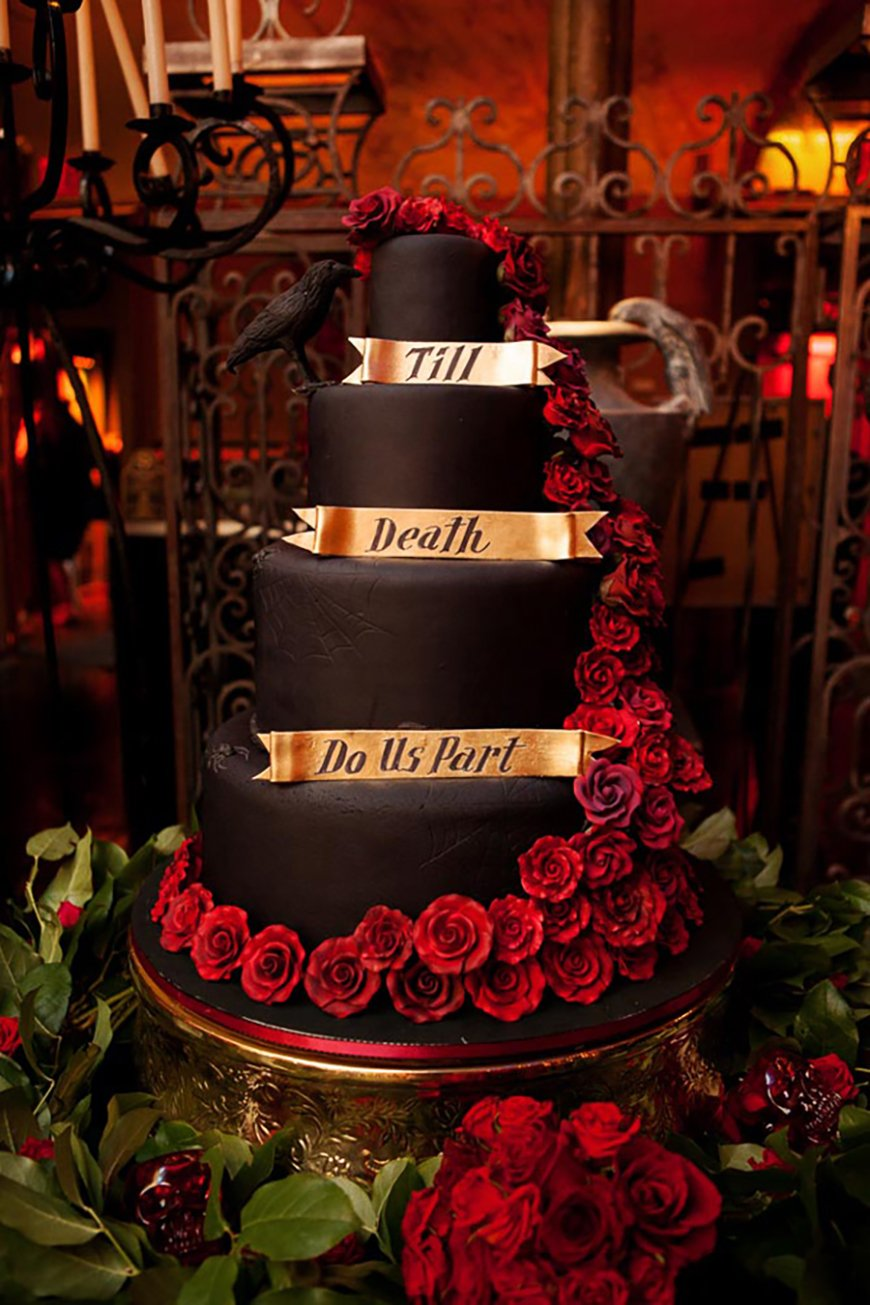 Badass Halloween Wedding Ideas That You Have To See! | CHWV