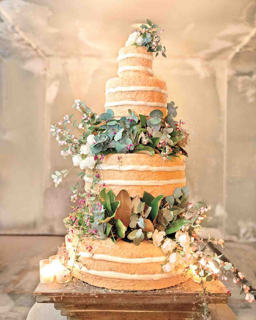 How To Get That Glorious Garden Wedding Theme - All about cake | CHWV