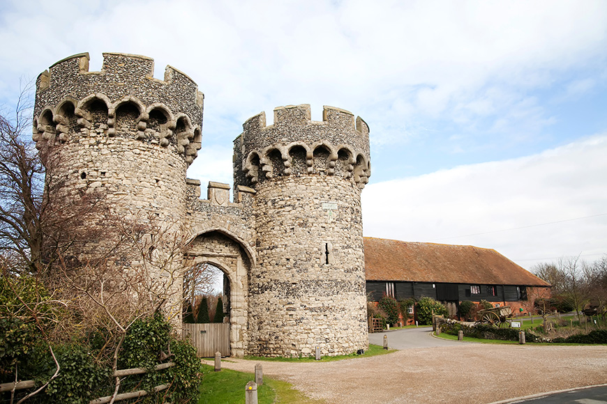 13 Incredible Castle Wedding Venues - Cooling Castle | CHWV
