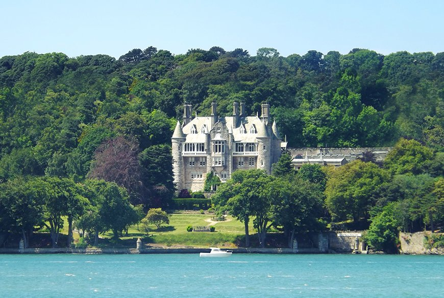 13 Incredible Castle Wedding Venues - Château Rhianfa | CHWV