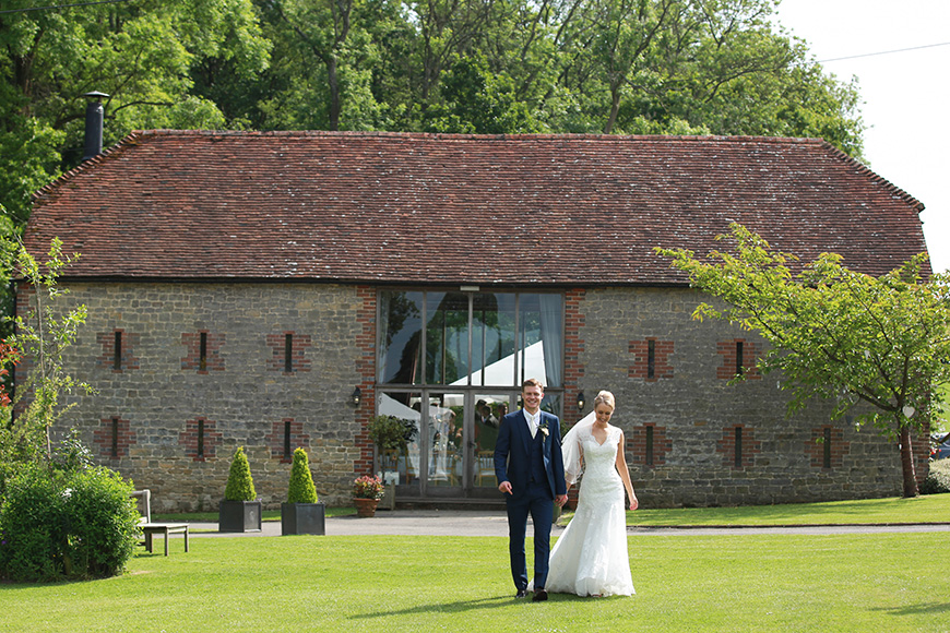 9 Intimate Wedding Venues in West Sussex - Bartholomew Barn | CHWV