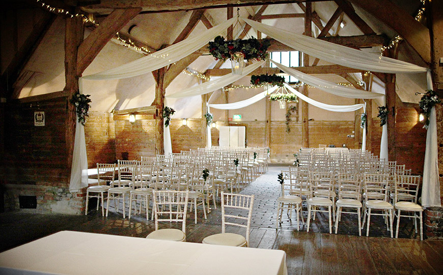 27 Intimate Wedding Venues That You Have To See - Lains Barn | CHWV