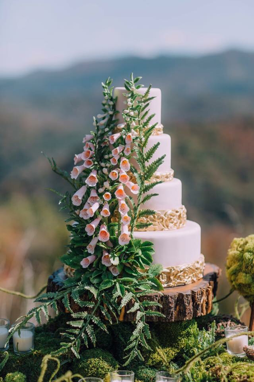 Wedding Flowers In Season: May Wedding - Foxgloves | CHWV