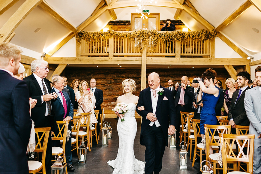 20 Modern Wedding Venues That You Have To See - Mythe Barn | CHWV