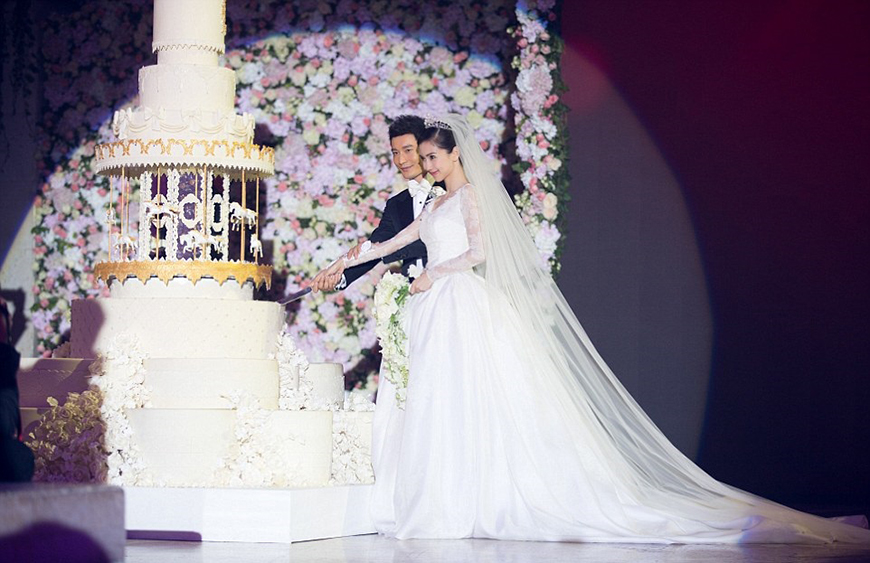 13 Of The Most Expensive Celebrity Wedding Dressess - Angelababy | CHWV