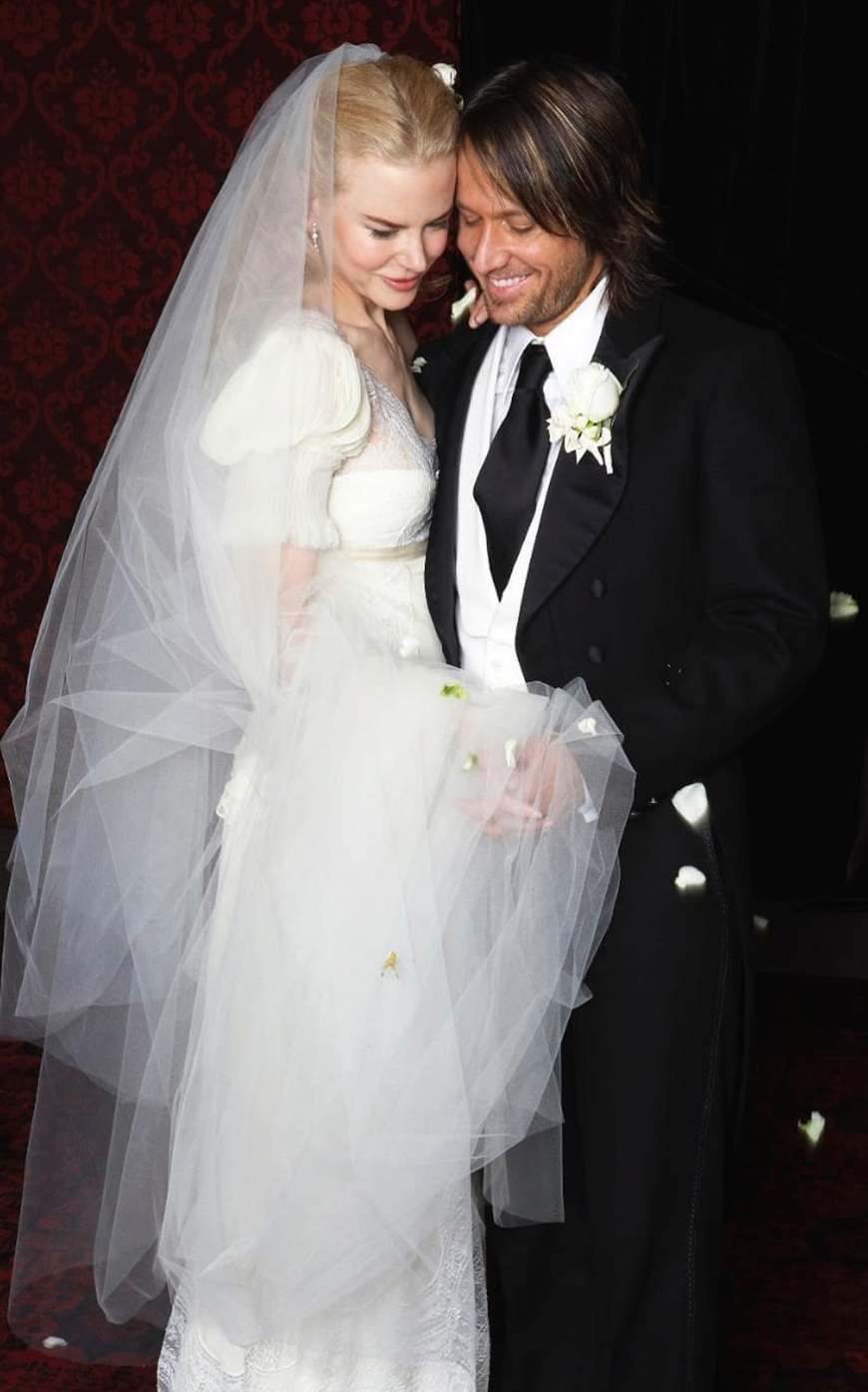 13 Of The Most Expensive Celebrity Wedding Dressess - Nicole Kidman | CHWV