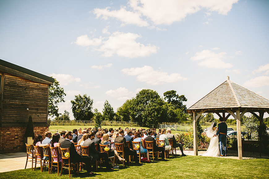 8 All-In-One Wedding Venues That Are Perfect For Summer - Mythe Barn | CHWV