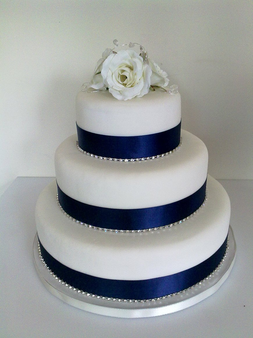 wedding cake navy blue and white navy wedding cake decorations wedding ideas by colour chwv 23304