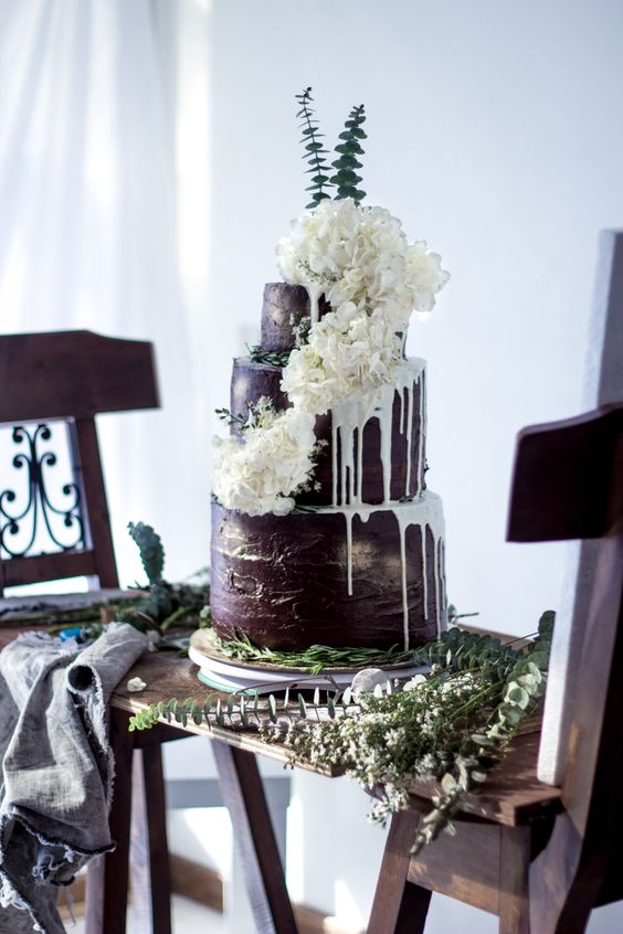 Non-Traditional Wedding Cakes – Drip Cakes - El Ciervo | CHWV