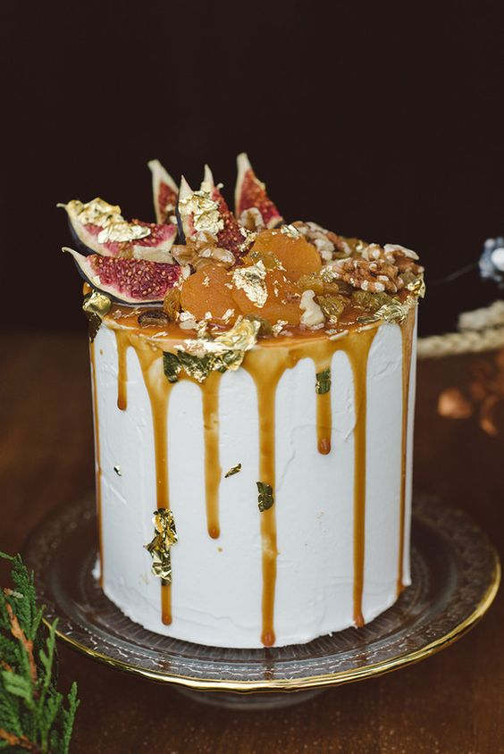 Non-Traditional Wedding Cakes – Drip Cakes - Scarlet ONeill | CHWV