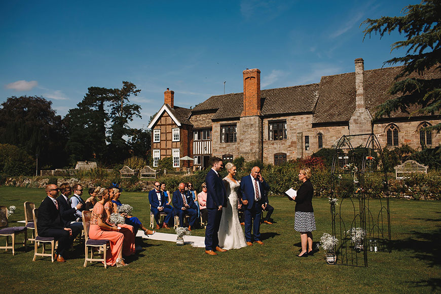 7 Incredible Outdoor Wedding Venues In The Midlands - Brinsop Court | CHWV