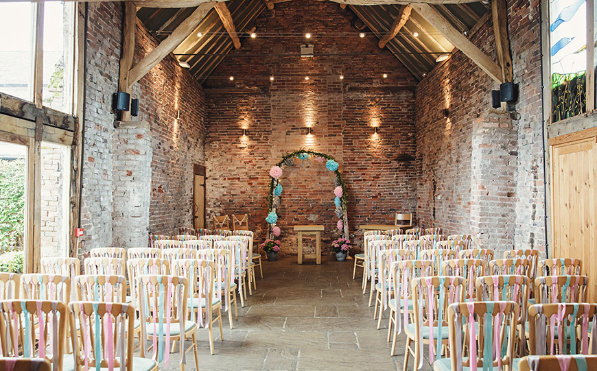 5 Barn Wedding Venues In The West Midlands - Packington Moor | CHWV