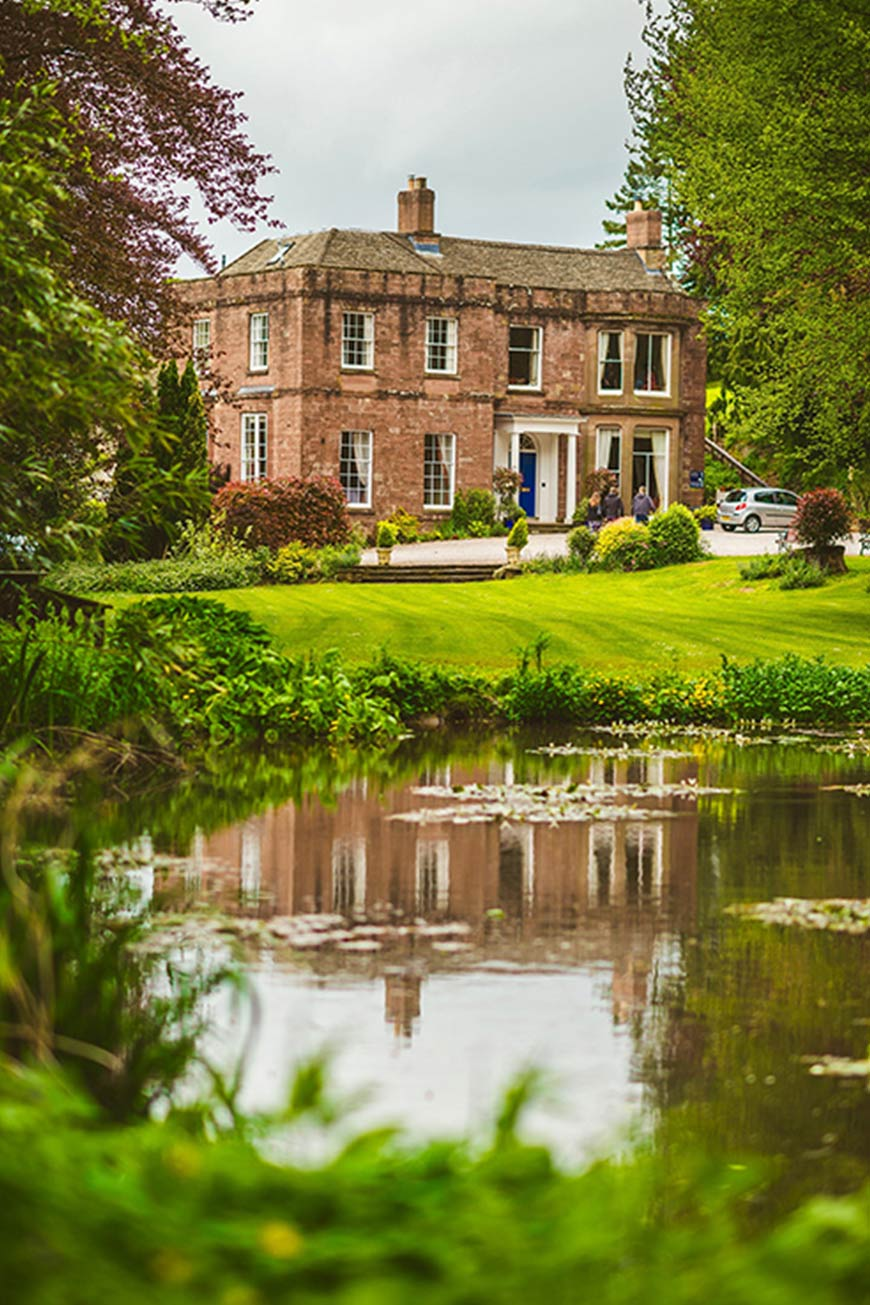 15 Manor House Wedding Venues For A Summer Wedding - Parklands  | CHWV