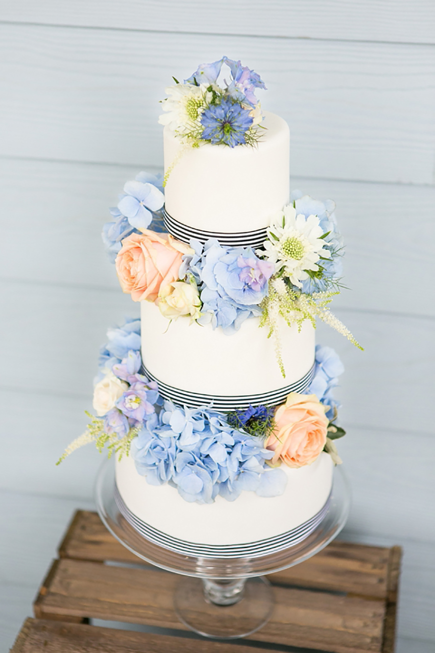 Wedding Ideas By Colour: Pastel Blue Wedding Theme - Cake, Glorious cake! | CHWV