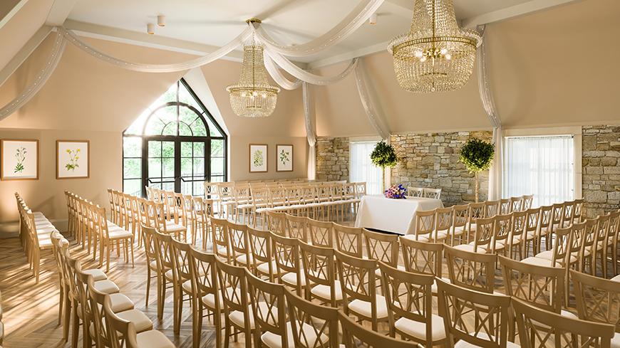 8 Wonderful Wiltshire Wedding Venues - The Pear Tree | CHWV
