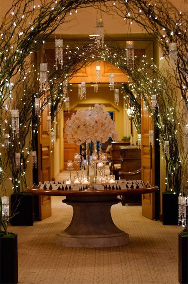 How to Get That Perfect Christmas Wedding Theme | CHWV