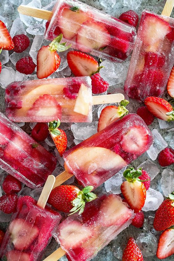 Trend Alert – Summer Inspiration for The Perfect Wedding Drinks Reception - Ice lollies | CHWV