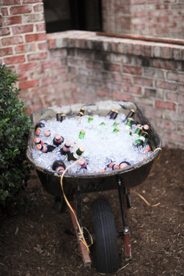 Trend Alert – Summer Inspiration for The Perfect Wedding Drinks Reception - Wheelbarrow beer cooler | CHWV