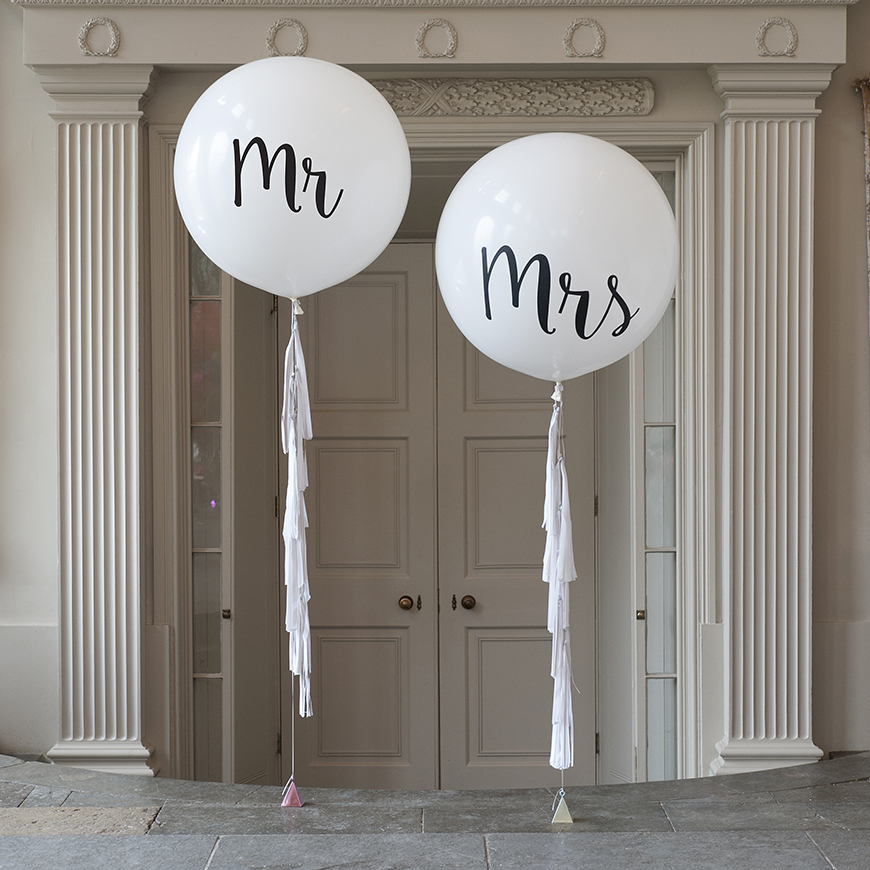 The best quirky wedding accessories to really stand out chwv for Quirky shopping sites
