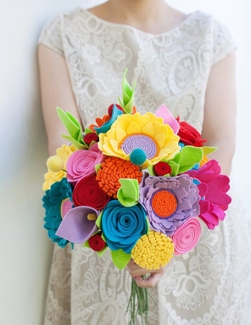 The Best Quirky Wedding Accessories To Really Stand Out - Flohra   CHWV
