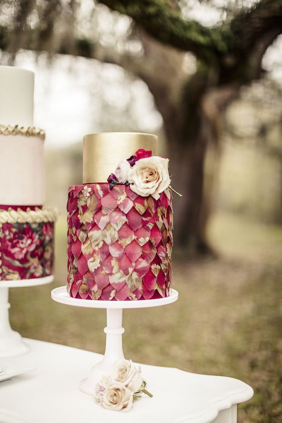Ideas by Colour: Red Wedding Cakes | CHWV