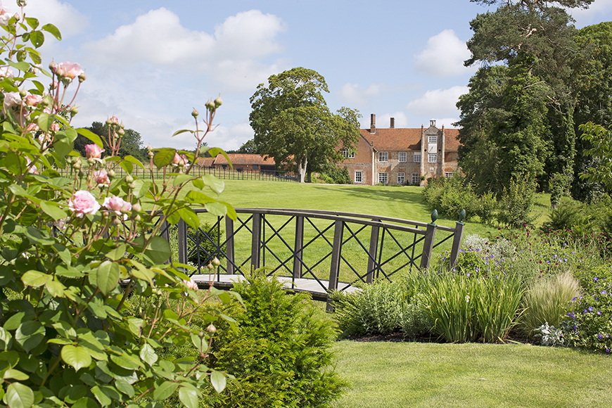 34 Romantic Wedding Venues That You'll Fall In Love With - Bruisyard Hall | CHWV