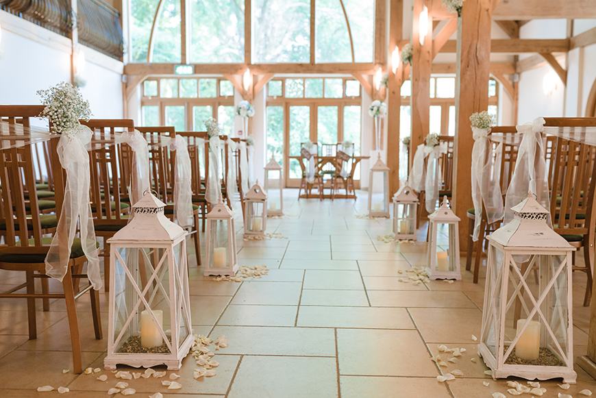 17 Romantic Wedding Venues In The South East - Rivervale Barn | CHWV