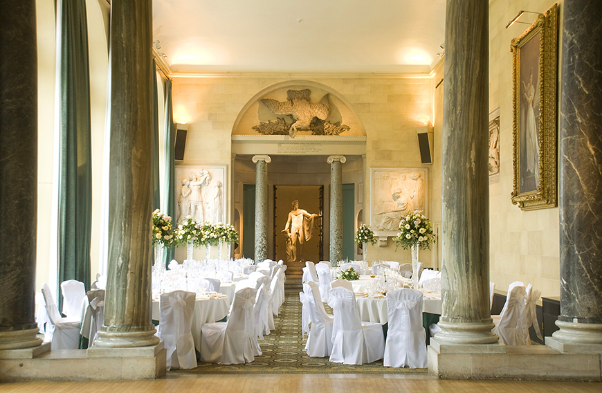 34 Romantic Wedding Venues That You'll Fall In Love With - Woburn Abbey | CHWV