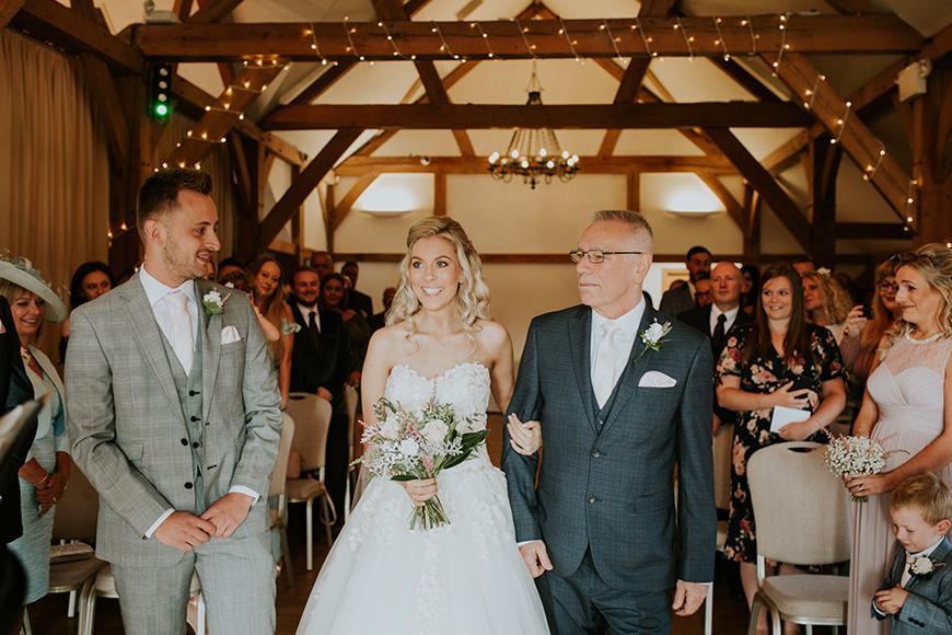 6 Stunning Staffordshire Wedding Venues - Sandhole Oak Barn | CHWV