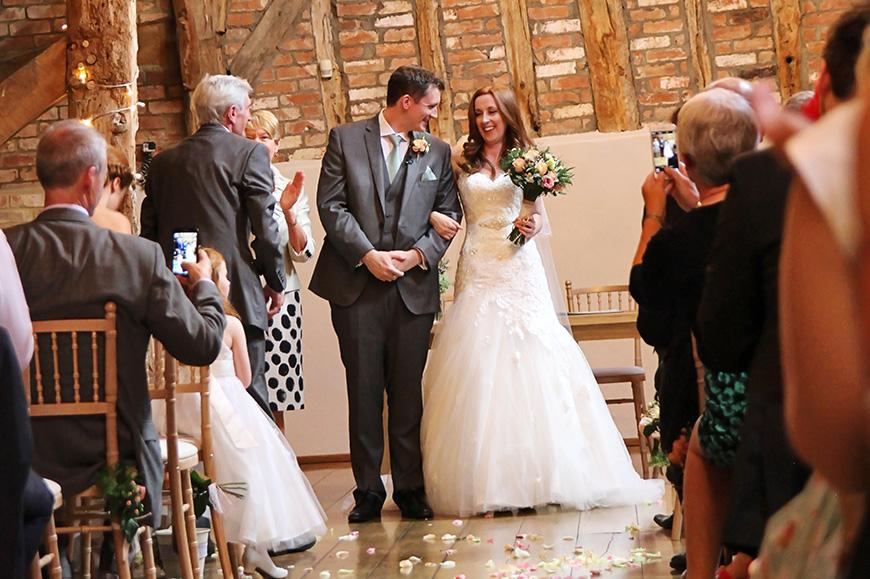 Rustic Diy Wedding At Bassmead Manor Real Weddings Chwv