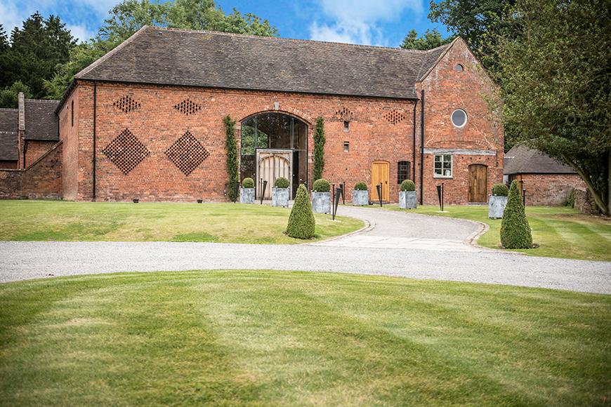 6 Stunning Staffordshire Wedding Venues - Shustoke Farm Barns | CHWV