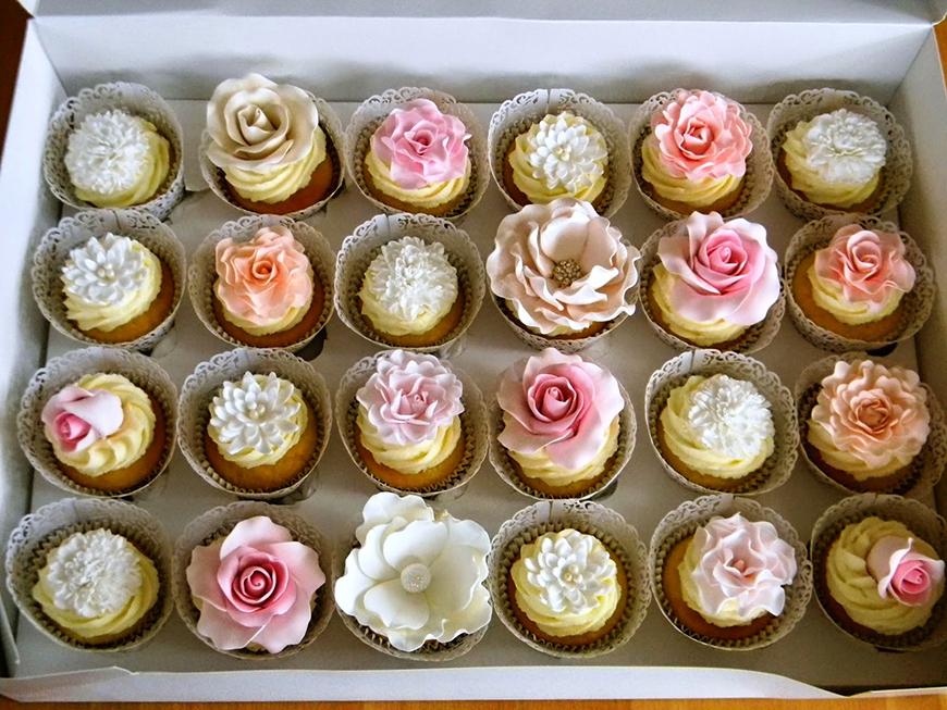 14 Stunning Spring Wedding Cakes | CHWV