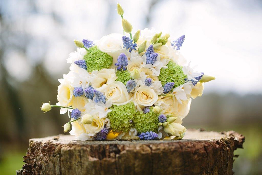 Wedding flowers by season spring wedding ideas chwv wedding flowers by season spring wedding ideas chwv mightylinksfo