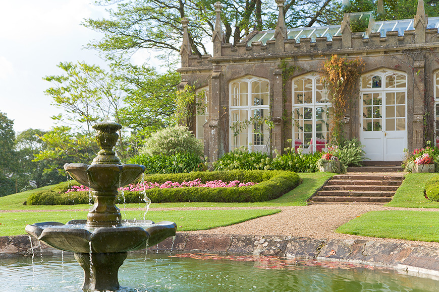 9 Glamorous And Grand Wedding Venues That You Have To See - St Audries Park | CHWV