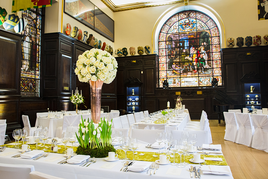 Perfect Wedding Venues For A Spring Wedding - Stationers' Hall | CHWV